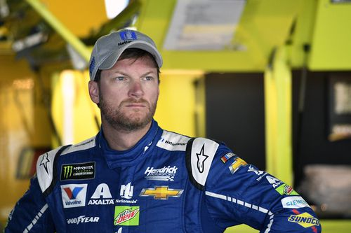 Dale Earnhardt Jr is a well known NASCAR racer and racing analyst. He was involved in a fiery plane crash in Tennessee this morning.