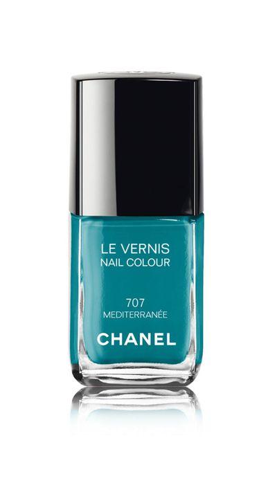 """<a href=""""http://shop.davidjones.com.au/djs/en/davidjones/le-vernis-nail-colour-2882-91671--1"""" target=""""_blank"""">Le Vernis Nail Colour in Mediterraneé, $39, Chanel</a>"""