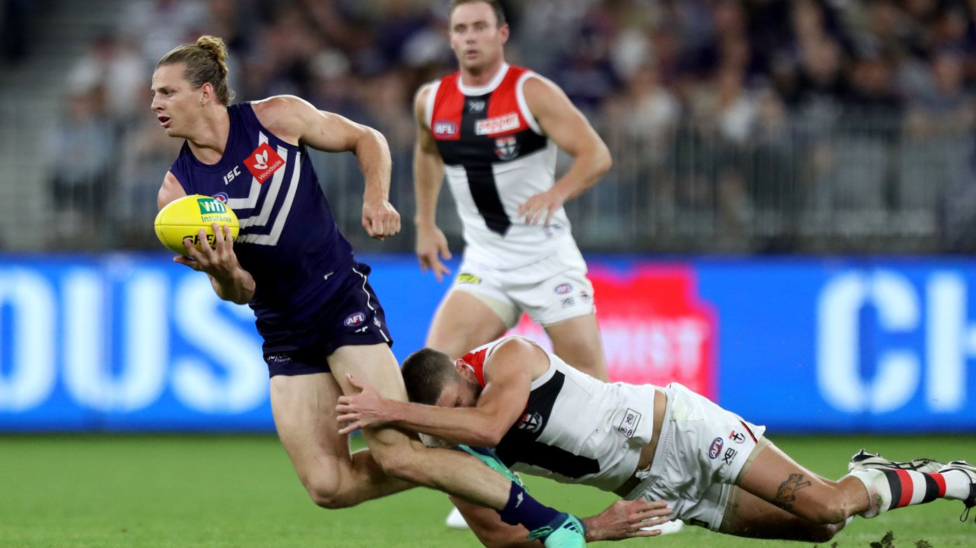 Membrey astray, Dockers beat Saints in AFL