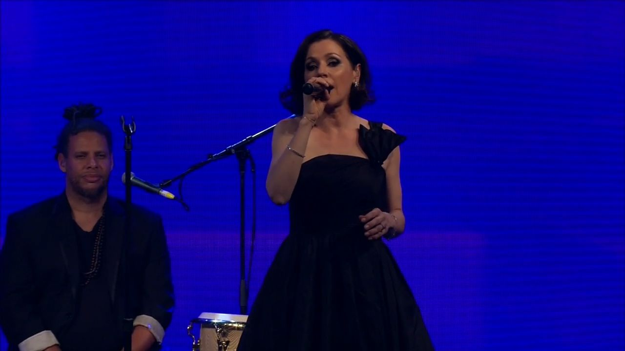 Arena performs at Newcombe medal