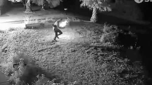Police hunt bungling Adelaide arsonist who set himself alight