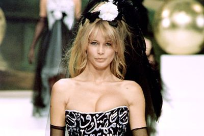 With blonde bombshell locks, deep-set eyes and erm ample feminine assets, Claudia Schiffer was the sex kitten of the litter. <br/><br/>Discovered in 1989, the teen supermodel's life changed forever when a model scout at a Dusseldorf disco convinced her to move to Paris... which led to her Chanel campaign and a Guess contract. <br/> <br/>She reportedly dated Richie Sambora and Prince Albert of Monaco, before marrying magician David Copperfield.