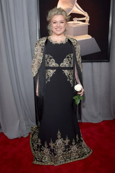 Singer Kelly Clarkson wearing Christian Siriano