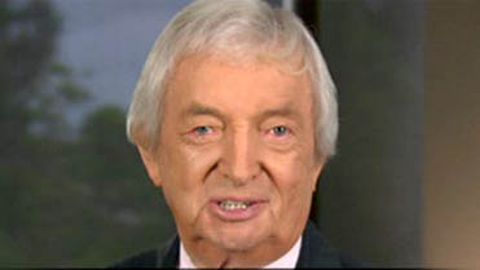 Video: Richie Benaud uses Gen Y speak during IQ Test, cringing ensues