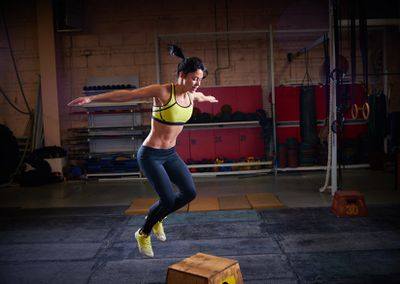 <strong>Box jumps</strong>