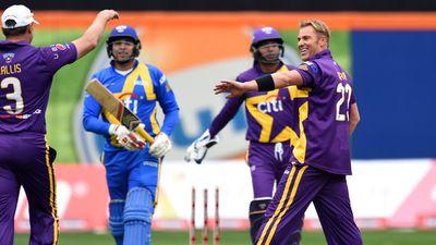 Warne celebrates a wicket. (AFP)
