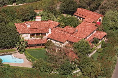 In 2000, <b>Meg Ryan</b> joined true Hollywood royalty when she bought this $8 million Spanish style mansion in Bel Air, California. Joining Clint Eastwood and Nicolas Cage in the hood, Meg's home was set on 7000 square feet, with six bedrooms, seven bathrooms, a screening room and of course, the obligatory swimming pool. But apparently the massive villa was too 'cold' for the <i>When Harry Met Sally</i> star, and she decided to sell up in 2008. The house was listed for $19.5 million but a $10 million profit was too much to wish for The house didn't sell and Meg relisted in 2009 for a more modest $14.2 million.