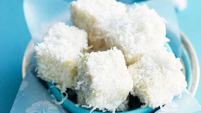 "Recipe: <a href=""http://kitchen.nine.com.au/2016/05/16/20/04/little-white-lamingtons"" target=""_top"">Little white lamingtons</a>"