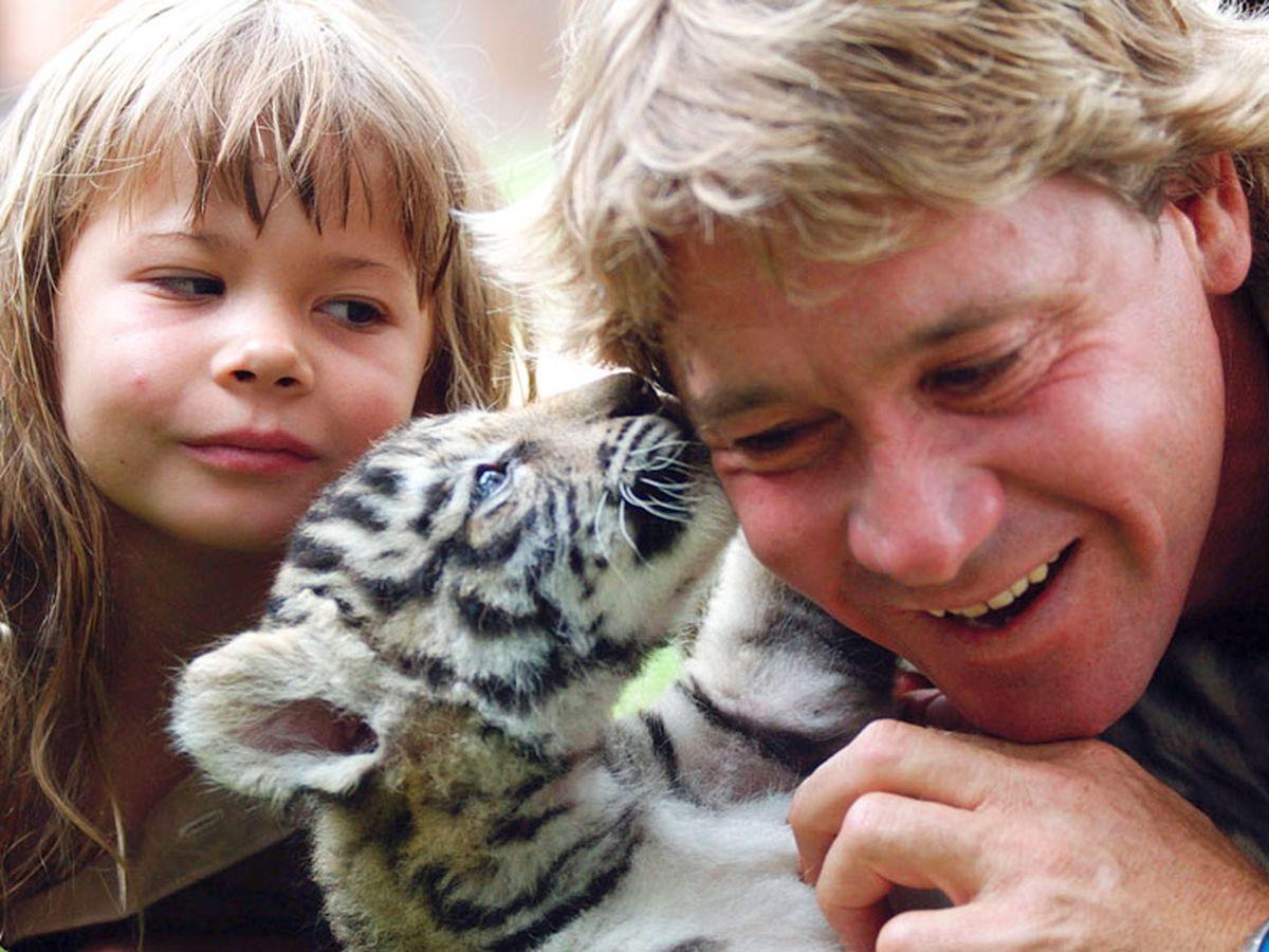 Family Marks 10th Anniversary Of Croc Hunter Steve Irwin S Death