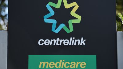 Centrelink call wait times to reduce with 1000 more staff