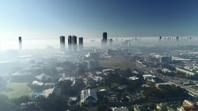'The smell's horrible': Gold Coast wakes to thick smoke haze