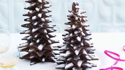 """<a href=""""http://kitchen.nine.com.au/2016/05/16/19/09/adriano-zumbo-gingerbread-christmas-trees"""" target=""""_top"""" draggable=""""false"""">Adriano Zumbo's gingerbread Christmas trees</a>"""