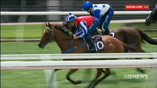 A story that so affected jockey and father, Chris Symons, he has championed a race in her honour. (9NEWS