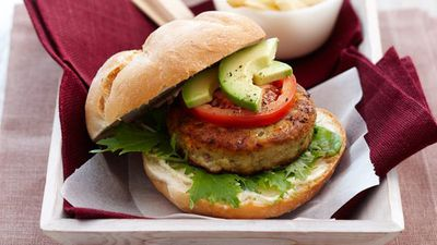"<a href=""http://kitchen.nine.com.au/2016/05/16/12/45/chicken-avocado-patties"" target=""_top"">Chicken avocado patties</a>"