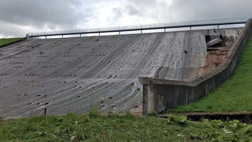 Thousands evacuated amid fears UK's Toddbrook Reservoir will collapse