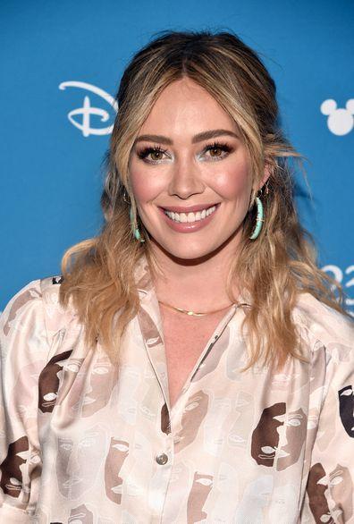 Hilary Duff announces Lizzie McGuire reboot