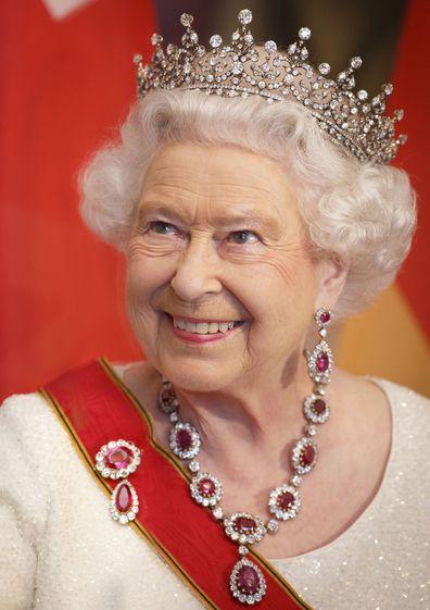 Queen Elizabeth tiara jewellery Berlin 2015