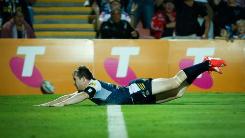 Clinical Cowboys dismantle Sharks with stunning 39-nil win