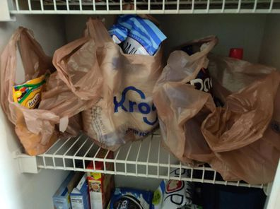 Users encouraged the man to dump his girlfriend because of her grocery shopping habit.