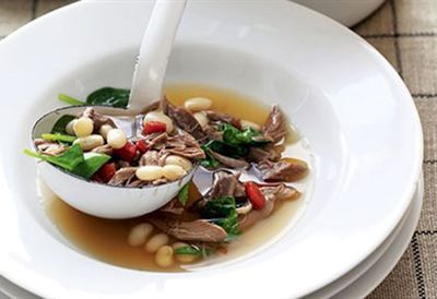 Slow-cooked lamb and white bean soup