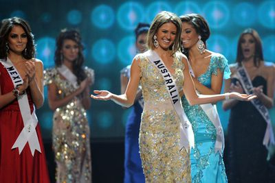 Ok, Jesinta may have missed out on the prestigious Miss Universe crown in 2010, but she <i>did</I> win the Miss Congeniality title. <br/><br/>We're guessing Sandra Bullock would be <I>very</I> proud.