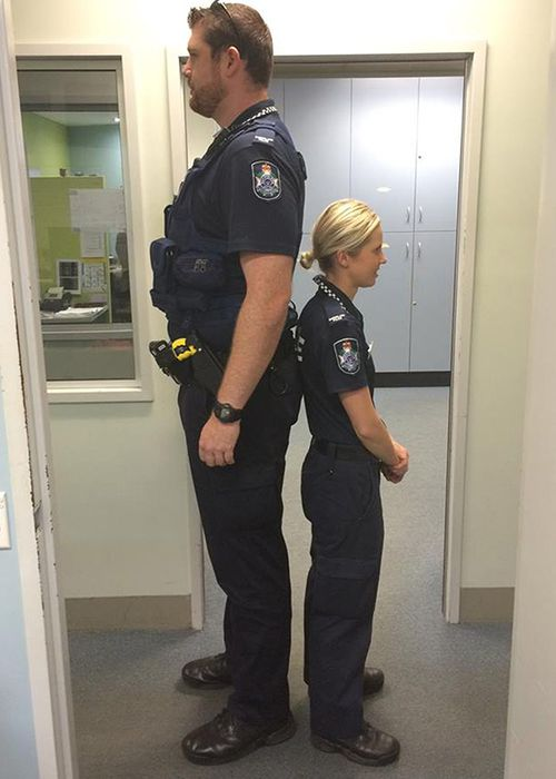 Photo of mismatched Queensland cops goes viral