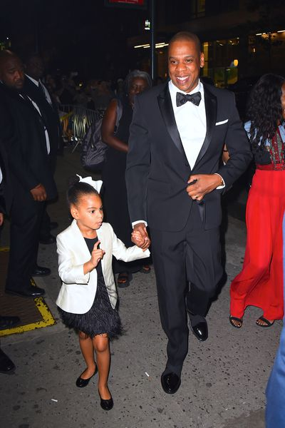 Jay Z and  Blue Ivy at the  CFDA Awards on June 6, 2017 in New York City