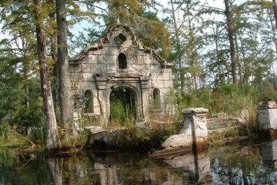 <strong>The Patriot's old Spanish mission in Cypress Gardens, South Carolina</strong>