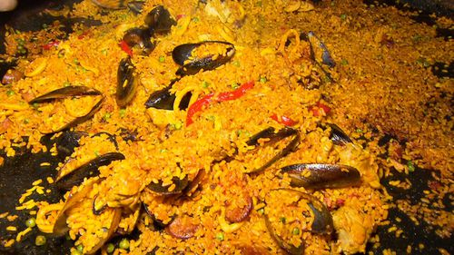 The authentic recipe contains chicken, Chorizo sausage, fresh mussels...and a secret blend of herbs and spices.