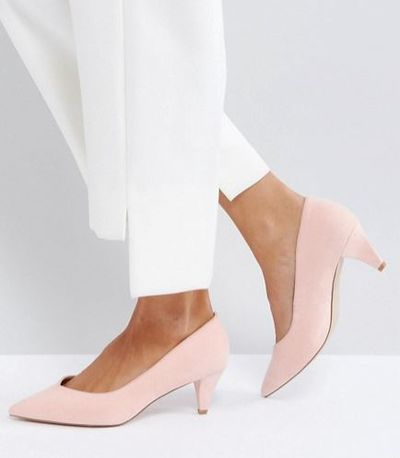 "<p><a href=""http://www.asos.com/au/asos/asos-salsa-kitten-heels/prd/8012593?clr=peach&amp;SearchQuery=kitten+heel&amp;pgesize=36&amp;pge=0&amp;totalstyles=41&amp;gridsize=3&amp;gridrow=10&amp;gridcolumn=1"" target=""_blank"" draggable=""false"">ASOS Salsa Kitten Heels in Peach, $50</a></p>"