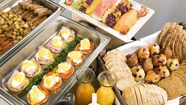 Breakfast buffet (Getty)