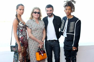 All of LV's favourite style-makers headed to the The Niteroi Contemporary Art Museum in Rio de Janeiro, Brazil, over the weekend for the house's Resort 2017 presentation. Dressed in head-to-toe Louis Vuitton, A-listers like Alicia Vikander, Catherine Deneuve and Jaden Smith proved once again that all the action happens front row. Click through to see what everyone wore.