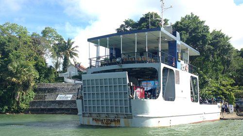 Ferry carrying prison staff docked at Nusa Kambangan prison port. (9NEWS)