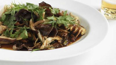 Stir-fried chicken and Chinese mushrooms
