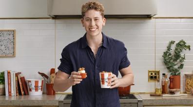 Morgan Hipworth makes KFC Popcorn Chicken cupcakes