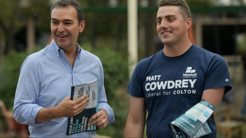 Liberal leader Steven Marshall, pictured with Liberal candidate and champion Paralympian Matt Cowdrey. (AAP)