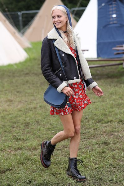 The hoodie became the ultimate hair statement at Glastonbury. Case in point: Poppy Delevingne.