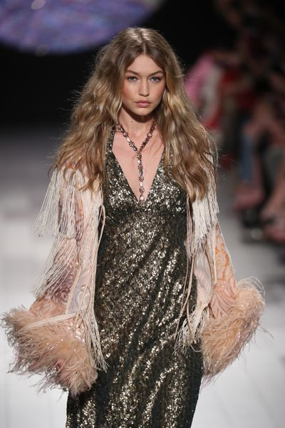 Gigi Hadid at Anna Sui, Spring 2018, New York Fashion Week, September 2017