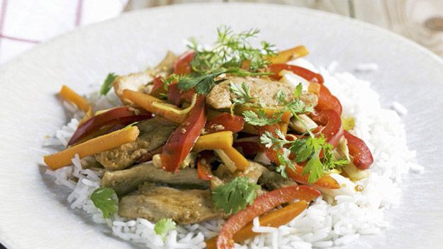 Stir-fried chicken with peppers and rice