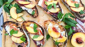 Ricotta and black pepper crostini with prosciutto and peach