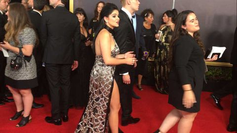 Ariel Winter arrives at the 2017 Emmy Awards