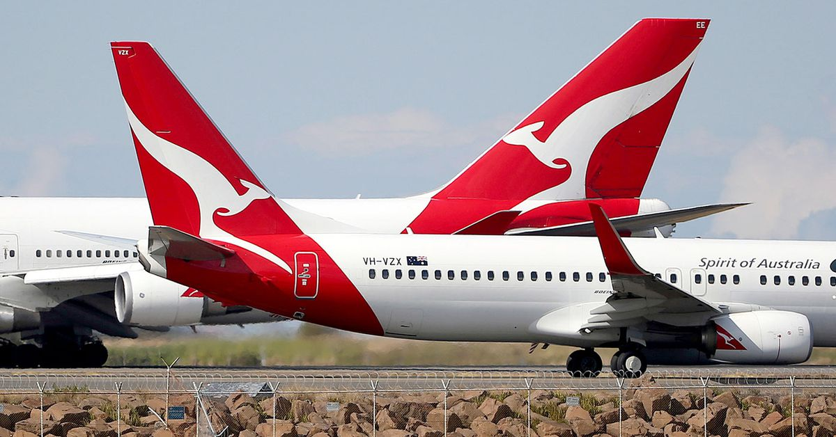 Qantas offering 'mega prizes' of unlimited travel for a year for COVID-19 vaccine recipients – 9News