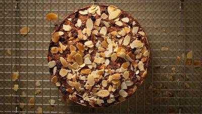 "Recipe: <a href=""https://kitchen.nine.com.au/2016/12/05/14/07/teresa-cutters-healthy-christmas-cake"" target=""_top"">Teresa Cutter's healthy Christmas cake</a>"