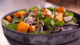 Spiced chickpea, pumpkin and spinach salad