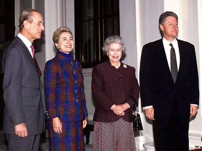 The Queen with the Clintons, 1995