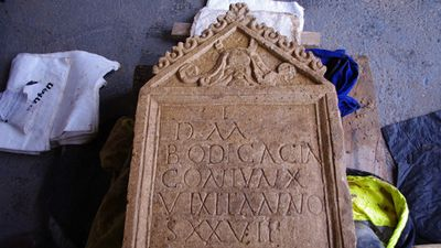 An incredibly rare 1800-year-old tombstone was discovered at a Roman cemetery in England. <br> <br> Roman tombstones are rare in England with fewer than 300 found in Britain. (Cotswold Archaeology)