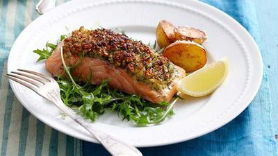 "Recipe:&nbsp;<a href=""http://kitchen.nine.com.au/2016/05/16/14/30/almondcrusted-salmon"" target=""_top"">Almond-crusted salmon</a>"