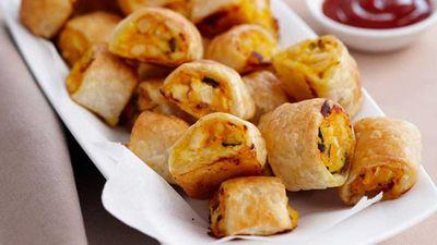"""<a href=""""http://kitchen.nine.com.au/2016/05/16/17/42/chicken-sausage-rolls"""" target=""""_top"""">Chicken sausage rolls</a> recipe"""