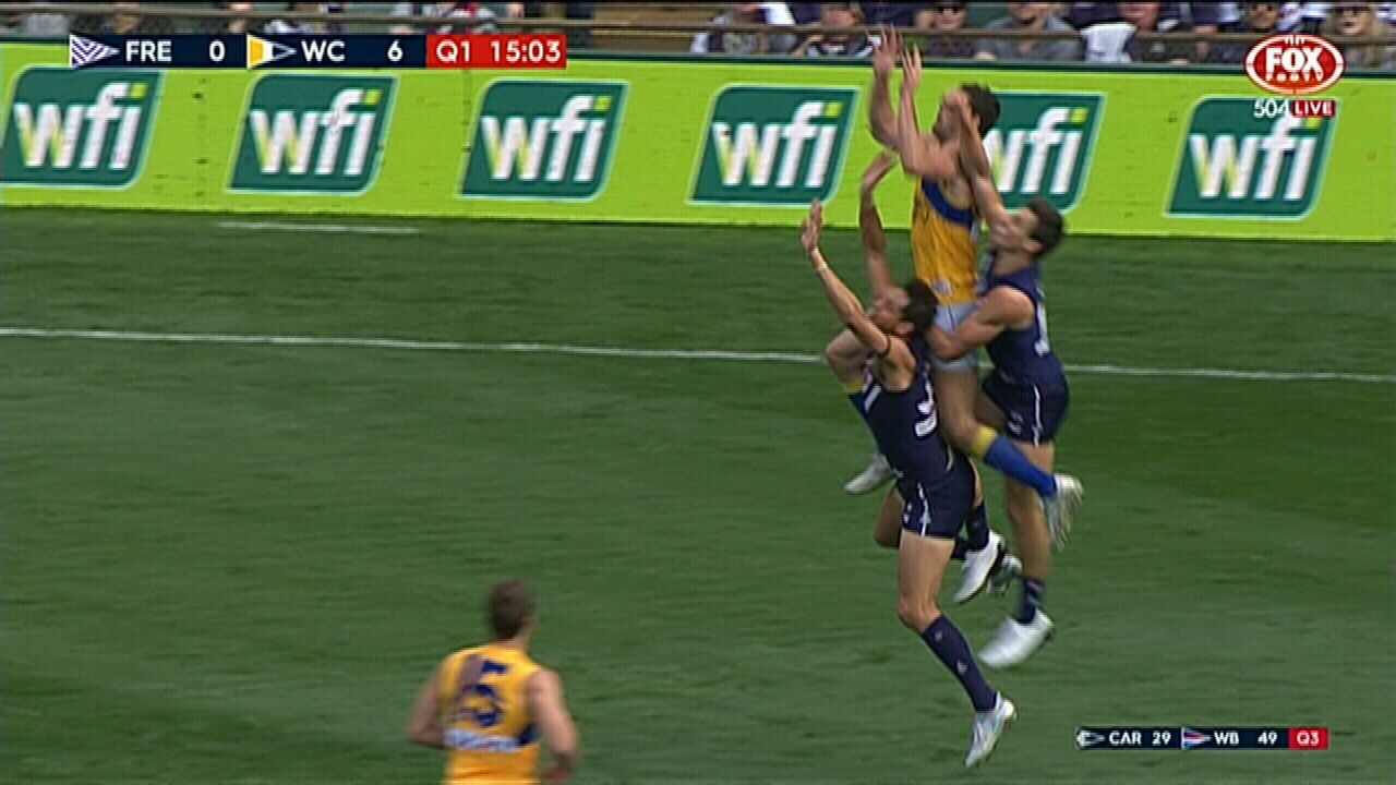 Darling soars high for great grab
