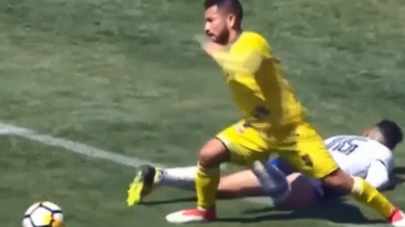 Chilean footballer Jean Meneses commits shocking dive